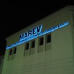 marev1_tabela_kutu_harf_neon